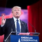 Donald Trump menace ses alliés travaillant avec Huawei