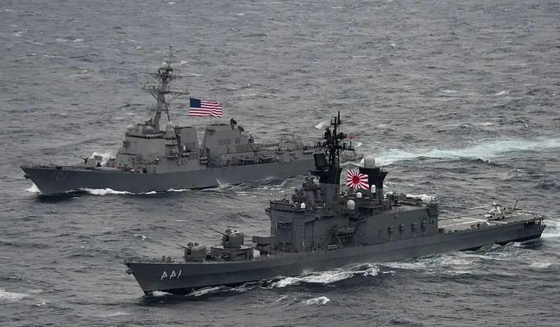 Des navires américains passent le détroit de Taïwan