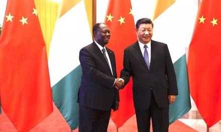 Alassane Ouattara s'entretient avec Xi Jinping