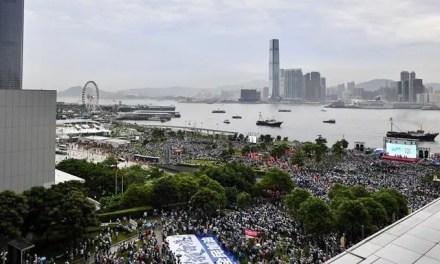 Les médias continentaux veulent une «ligne plus dure» contre les manifestants