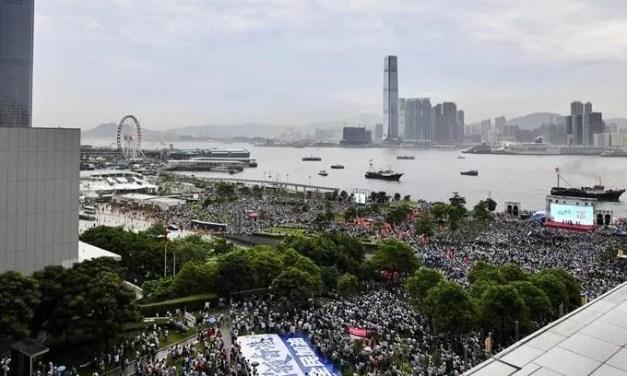 1er octobre : «Journée de colère» à Hong Kong