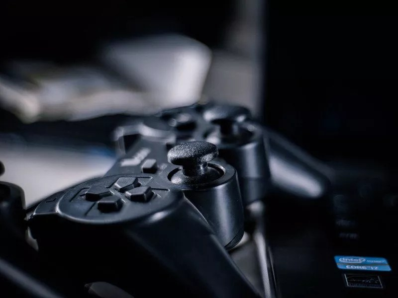 Jeux-vidéos : couvre-feu imposé pour les jeunes