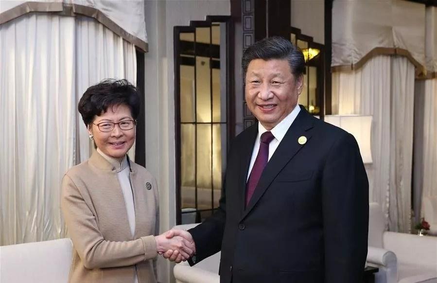 Carrie Lam confortée dans ses positions