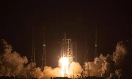 La Chine a lancé une sonde pour ramener des échantillons