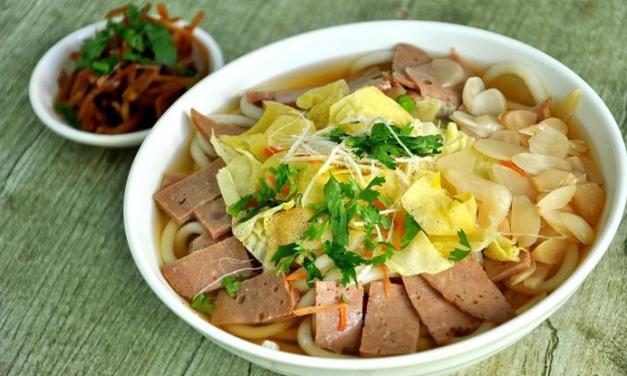 La ville Weifang redynamise sa vie nocturne, par sa gastronomie