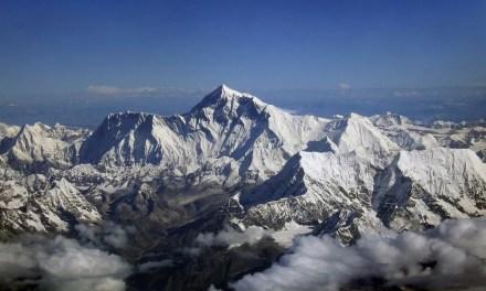 Lutte contre le Covid-19 sur le mont Everest