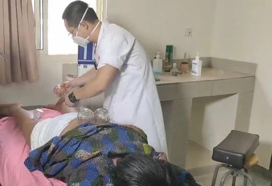 Burkina: plusieurs malades recouvrent la santé grâce à la médecine traditionnelle chinoise