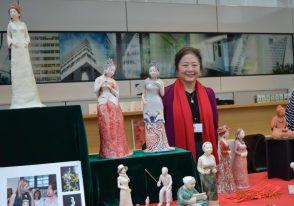 CNY 2017 Market 2 (Martina)