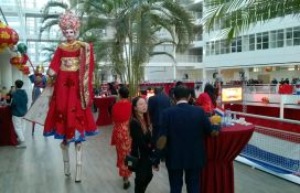 CNY 2018 Stilt walker