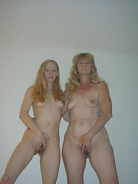 Mother Daughter Caught Mom Nude