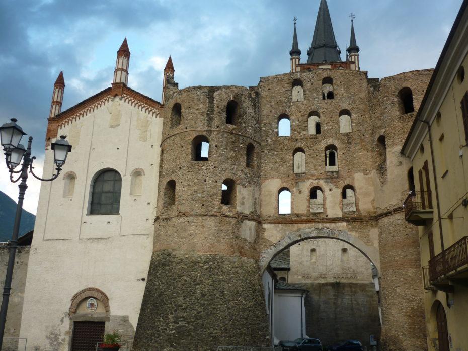 Porta Savoia a Susa, di epoca romana