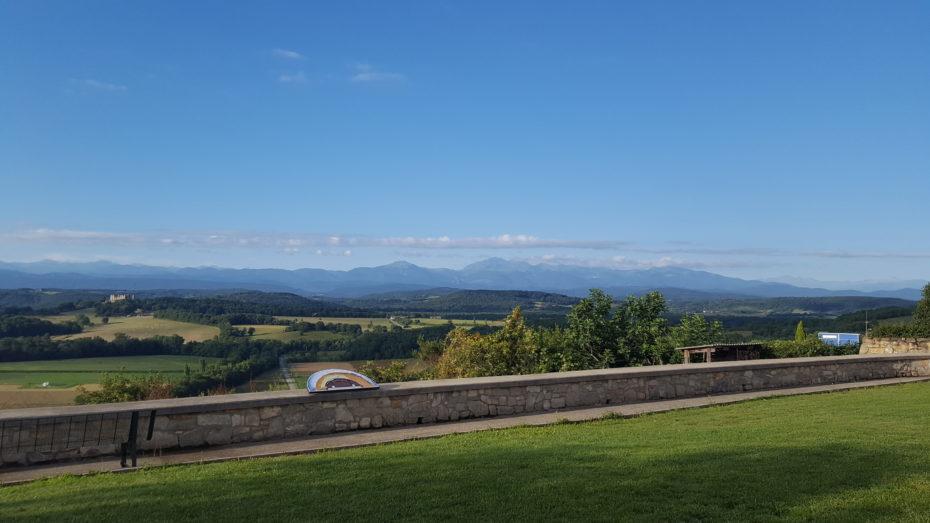 La vista da Romengoux: cominciamo a vedere le montagne, quelle vere :)