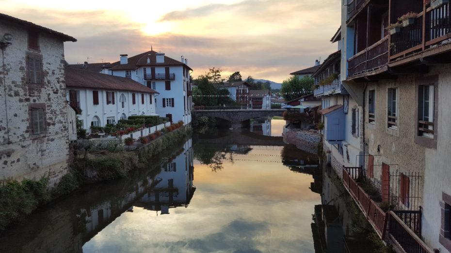 Il fiume Nive che caratterizza la cittadina di Saint Jean Pied de Port