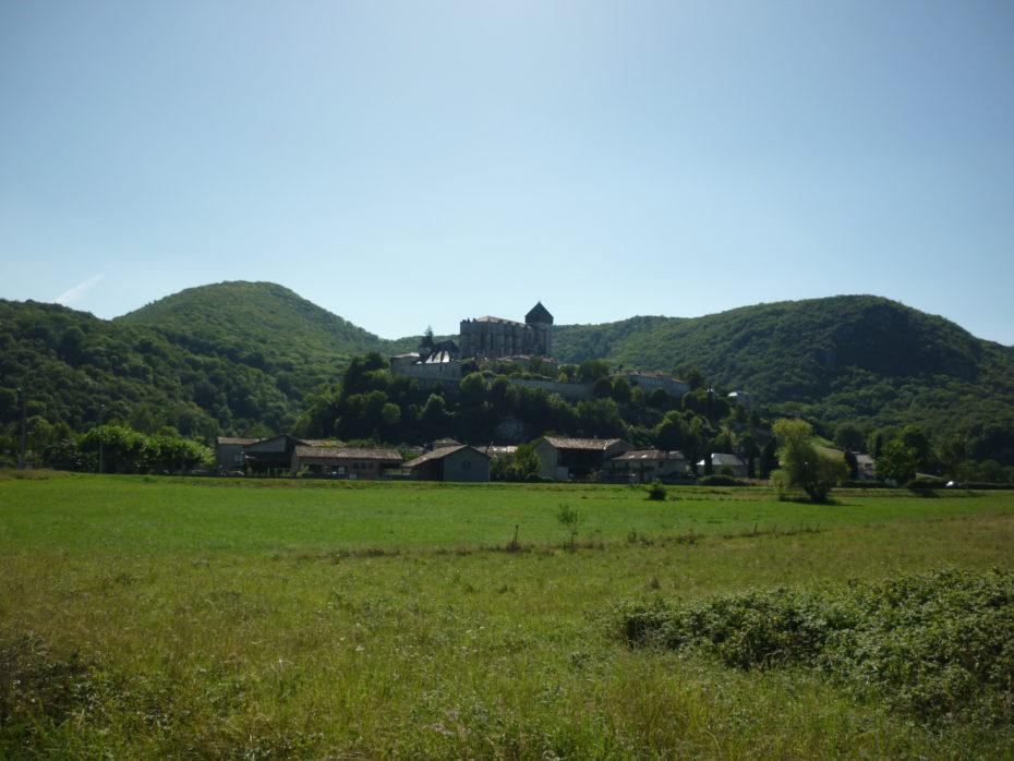 L'arrivo a Saint Bertrand de Comminges è premiato dalla vista della maestosa cattedrale