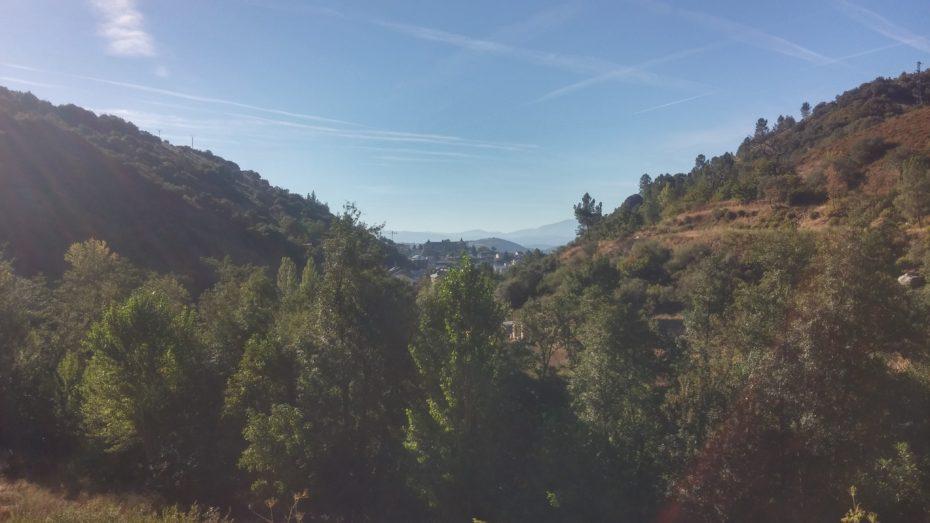 Villafranca del Bierzo con le montagne intorno