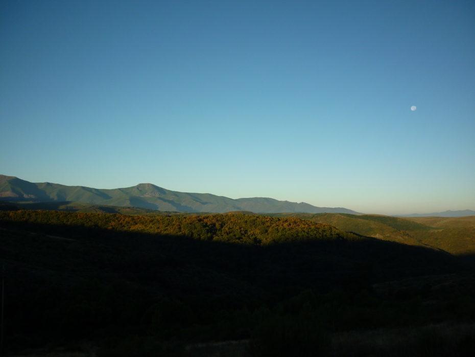 L'alba appena partiti da El Acebo