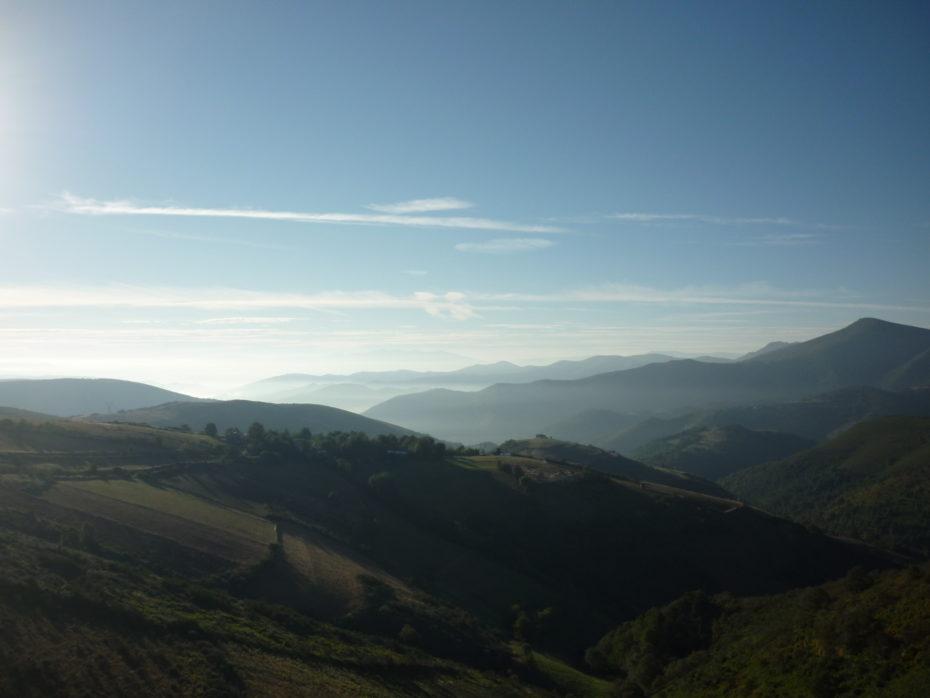 Salendo verso O'Cebreiro, finalmente il panorama intorno a noi da il massimo