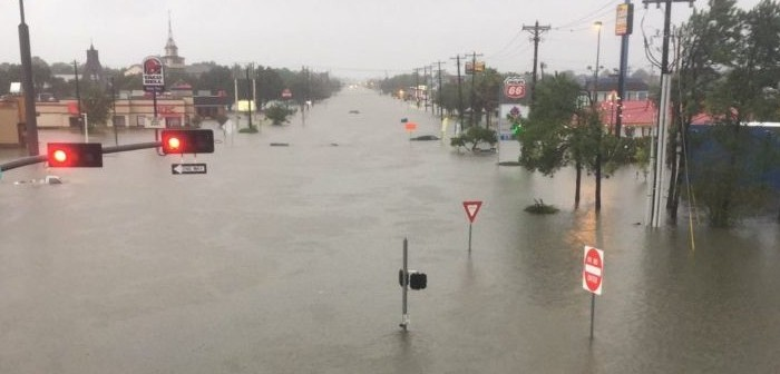https://i1.wp.com/www.chiourim.com/wp-content/uploads/2017/08/ouragan-us-e1504183460635-700x336.jpg