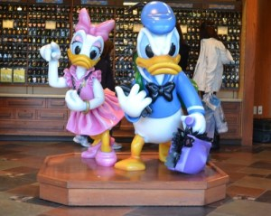 Disney Quick Tips: Rules and Etiquette for Pin Trading 1