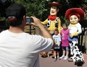 Walt Disney World Character Greeting Primer 1
