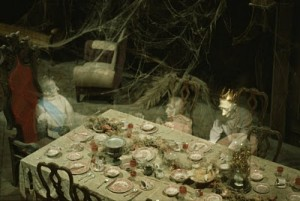 How They Haunt – Behind the scenes of Disney's Haunted Mansion 4
