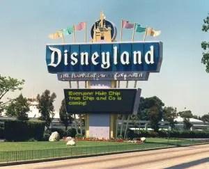 disneyland-sign-generator