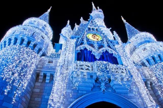 Cinderella Castle Christmas Lights.Disney World Christmas With Cinderella Castle Lights Video