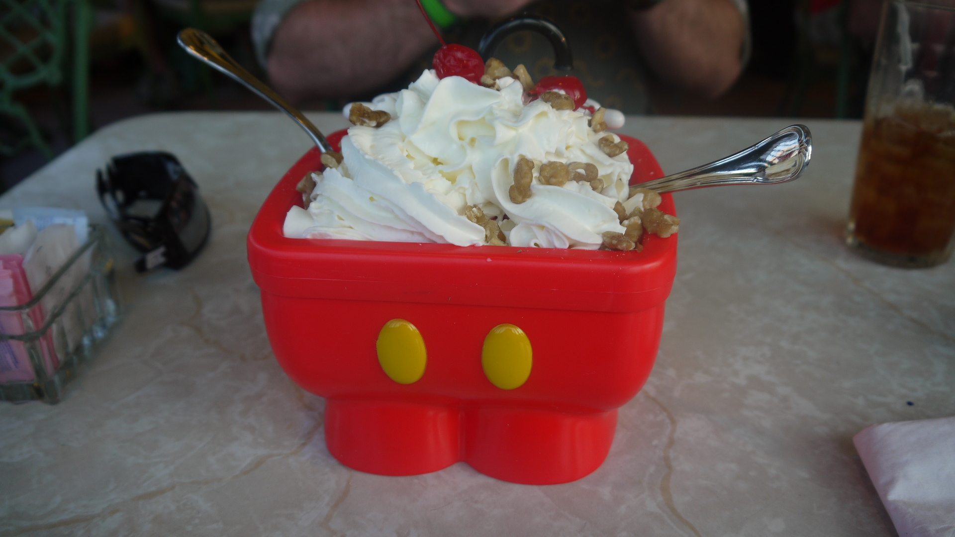 Disney dining ins outs of the mickeys kitchen sink at disney world to try the mickey kitchen sink in the magic kingdom at the plaza restaurant after a delicious dinner i accepted this disney dining ice cream challenge workwithnaturefo