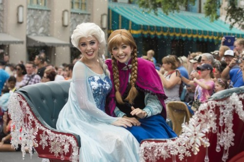 Elsa and Anna Royal Welcome