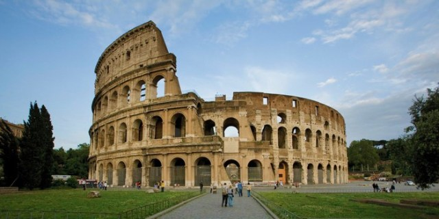 adventures-by-disney-europe-italy-hero-04-colosseum