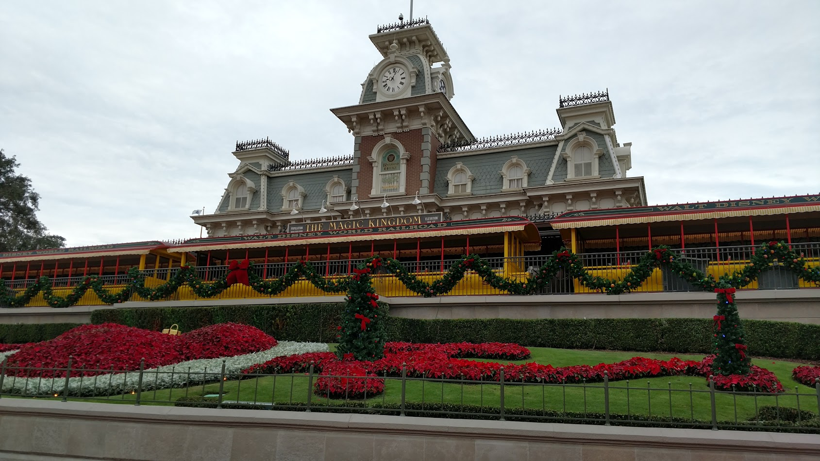 How Long Is Disney Keeping Their Christmas Decorations Up For