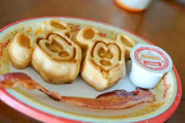 Disney Raises Dining Plan Prices for 2017 1