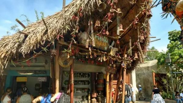 Pongu Pongu in Pandora Serving Up Giant Pretzels