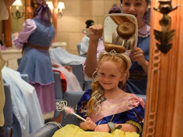 Seven Year Old Hosts Princess Party at Disney World for Less Fortunate Children 4