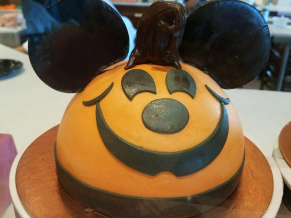 Amorette's Patisserie Treats Guests to Delectable Halloween Desserts 1