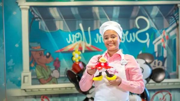 Disney Fantasy's Sweet on You Celebrates Mickey and Minnie 1