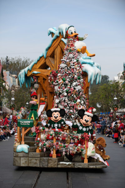 'Disney Parks Magical Christmas Celebration' Airs Christmas Morning With Celebrity Performances 2