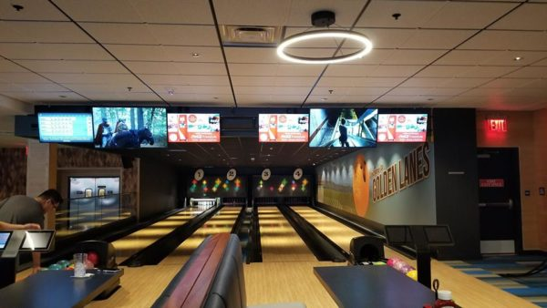 Splitsville Downtown Disney: The Sights and Food 1