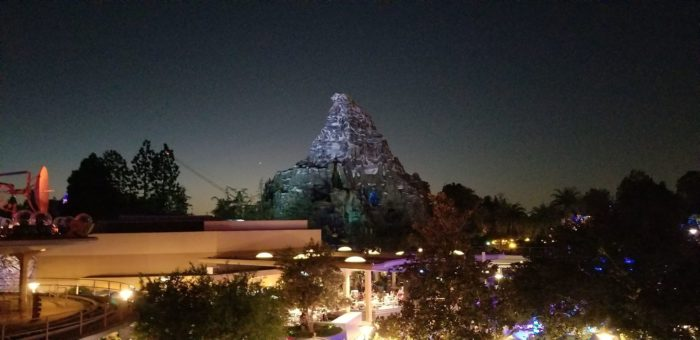 Checking Out The Tomorrowland Skyline Lounge Experience At Disneyland 7