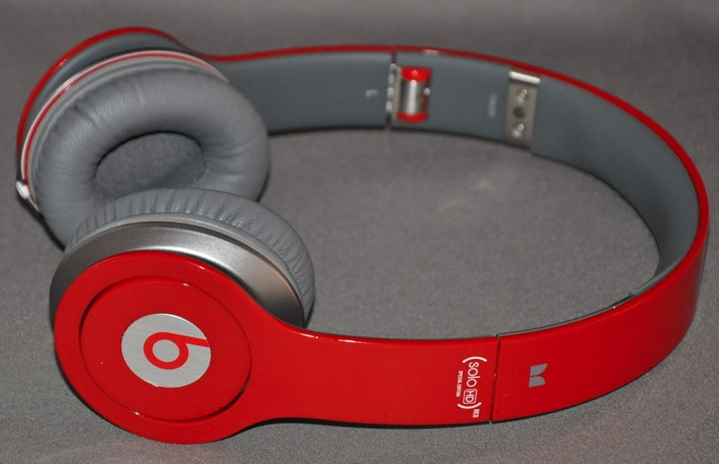 We have been eager to get our hands on a pair of Beats by Dr. Dre Solo HD  headphones for sometime now. We had passed on testing the original Solo s 8860dab1dc938