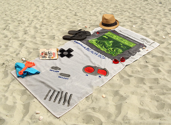 125_thinkgeek_beach_boy_towel_inuse