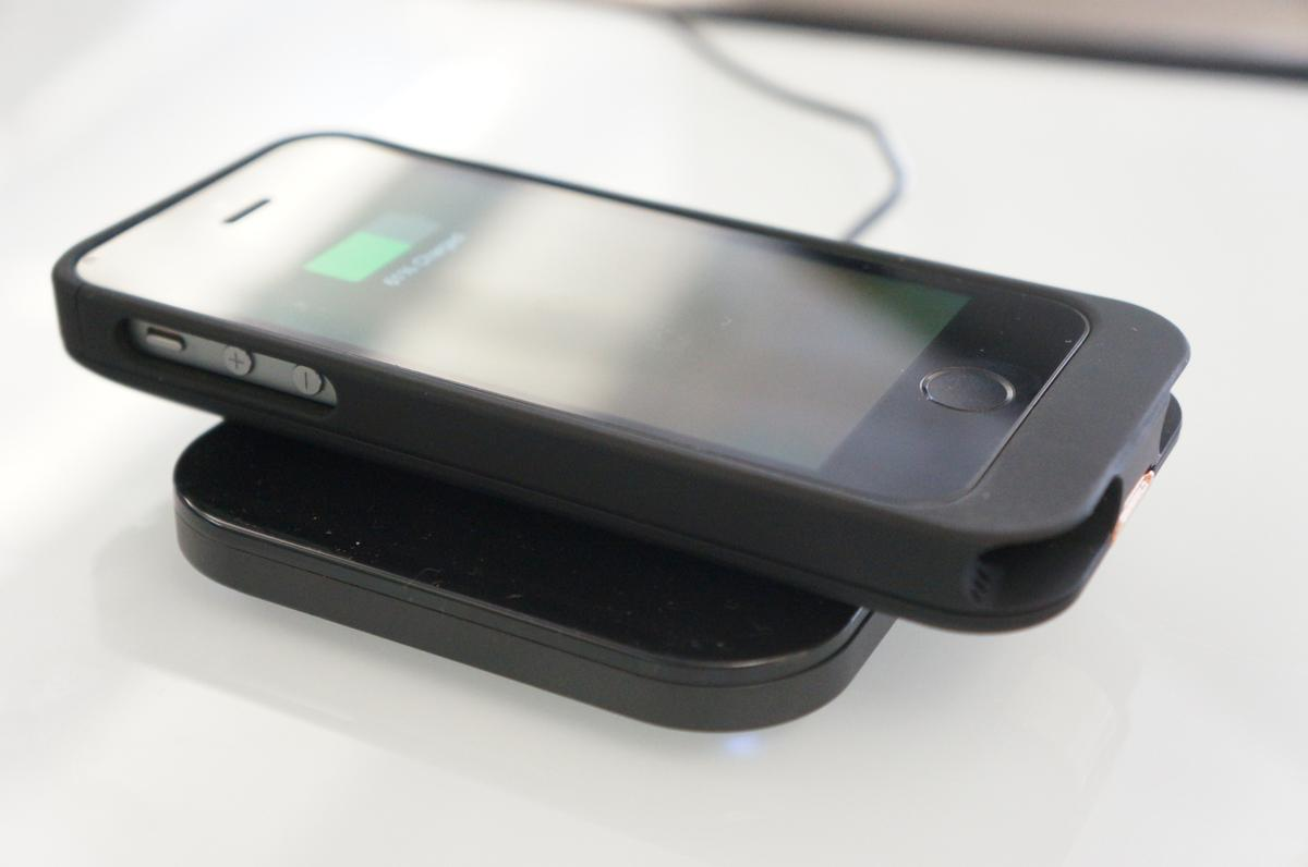 Duracell PowerMat and PowerCase Wireless Charging Pad for iPhone 5 ...