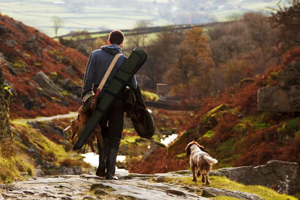 Auswandern mit Hund ist die Lösung. Sie müssen also nicht alles zurücklassen. Ihr treuer Begleiter ist immer in Ihrer Nähe.