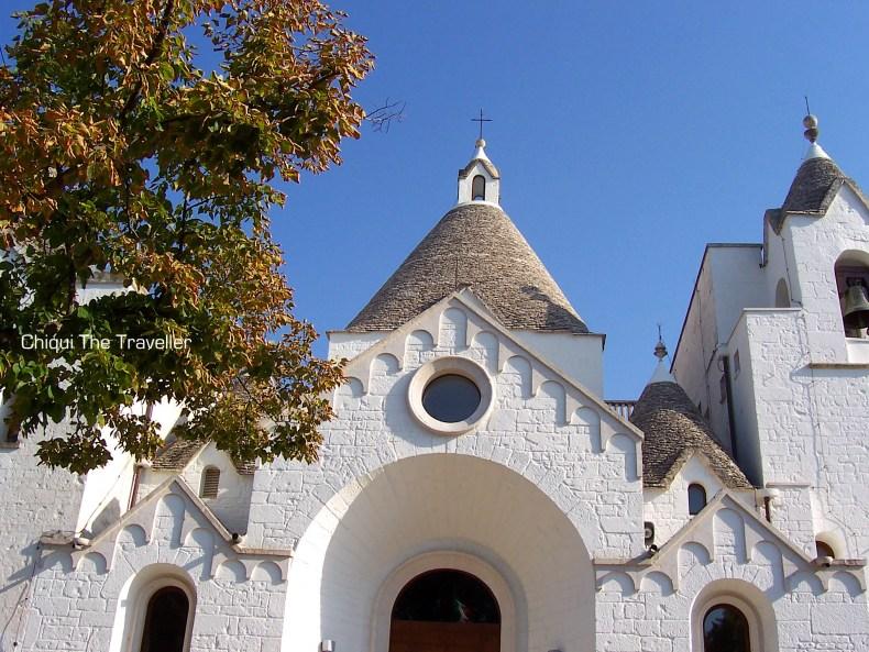Alberobello Italia iglesia trullis