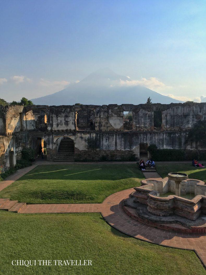Ermita de san jeronimo - volcan de agua