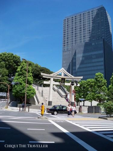 Torii piedra Hie Jinja Tokio