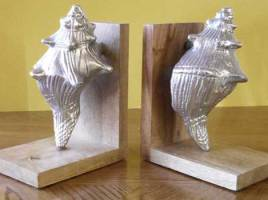 3 Father's Day Gifts Ideas - Mannequin, Globe and Sea Shell Bookend