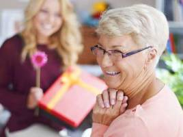 Gifts For Senior Women - Senior Women's Top Gift Ideas and Tips