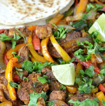 close-up of easy sheet pan chicken fajitas