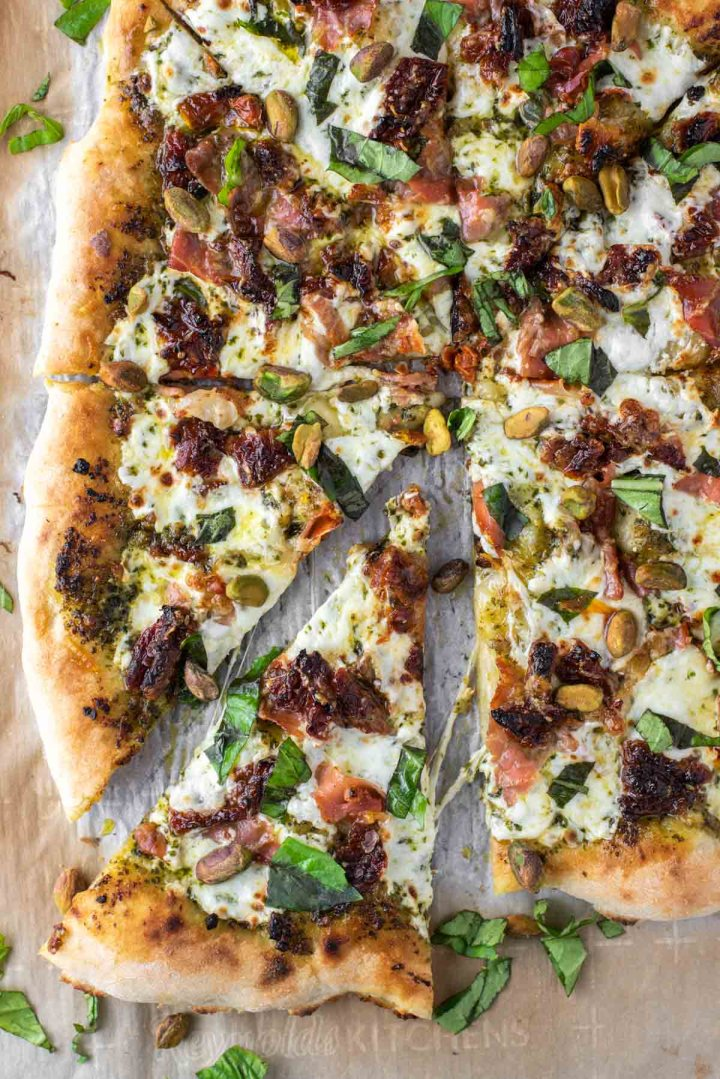 overhead shot of prosciutto pesto pizza